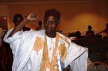 Le candidat du parti de l'AJD/MR préside un meeting à Arafat