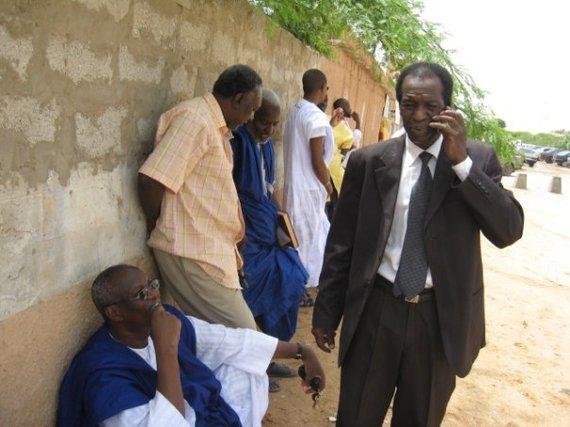 Ahmed Sidibé, responsable AJD/MR de l'affaire TAQADOUMY versus Ibrahima SARR, prenant des nouvelles auprès de Me Cheikh SALL