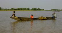 Une pirogue se renverse sur le fleuve Sénégal faisant un mort et trois disparus
