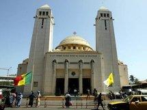 Façade de la cathédrale Notre Dame des Victoires, le 26 mai 2004 à Dakar