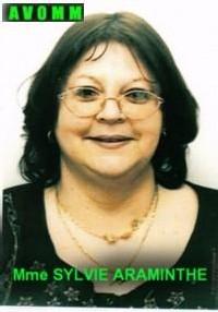 Gros plan sur Madame Sylvie Araminthe chargée des relations extérieures de l'AVOMM