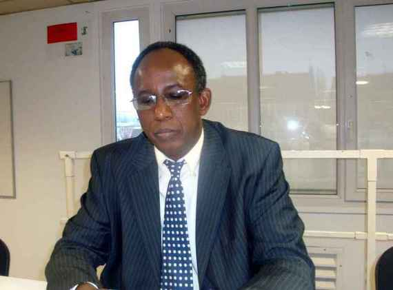 Intervention de M Abdoul Aziz SOUMARE, prsident de l'OCVIDH,  la Journe des Martyrs organise par l'AVOMM le 5 dcembre 2010
