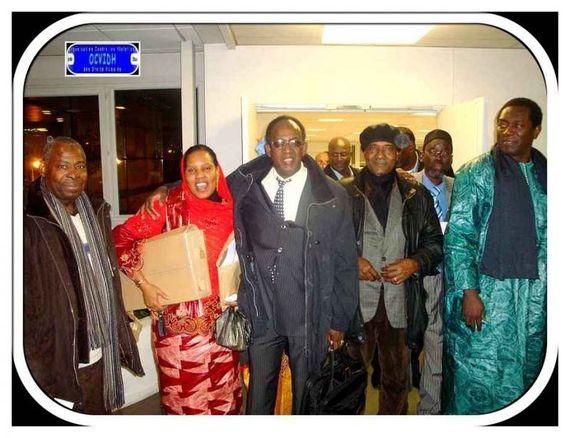 AVOMM: Les photos de la journée de deuil du 5 décembre 2010 (ocvidh.fr)