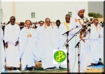 Le Président de la République accomplit la prière de Id El Fitr dans l'enceinte de la mosquée Ibn Abass à Nouakchott.