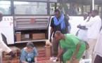 La Caravane de la Santé  attribue des lots de médicaments aux camps non visités