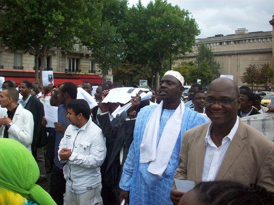 Compte rendu et images de la manifestation de Paris contre le coup d'État en Mauritanie.