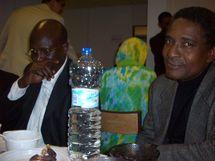 Baba ould Jiddou à droite en compagnie de Sy Hamdou