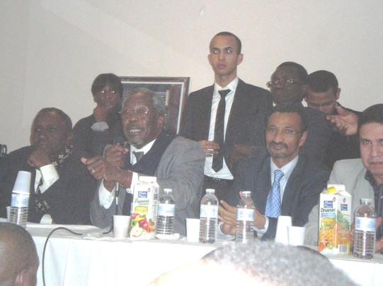 Messaoud Ould Boukheir devant la communauté mauritanienne de France :