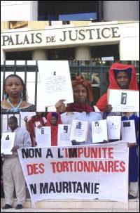 Dix ans de prison pour l'officier tortionnaire 1er juillet 2005
