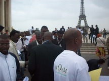 Manif à Paris contre le coup d'Etat