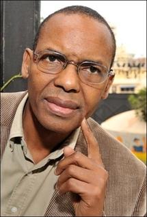 L'écrivain guinéen Tierno Monénembo, prix Renaudot 2008, le 6 février 2008 à Dakar