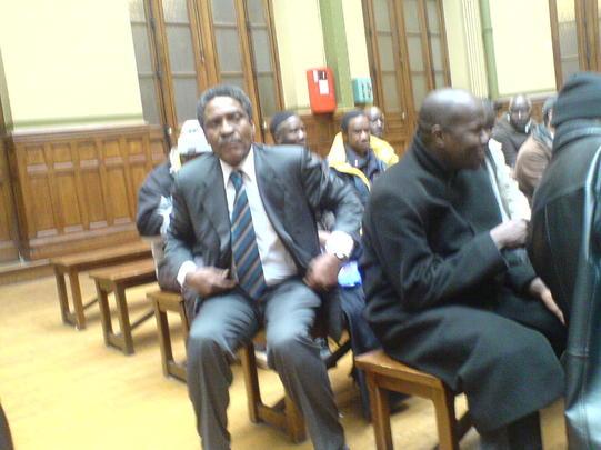 La délégation du FNDD en conférence devant la Communauté Mauritanienne de Paris