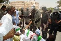 La police réprime un sit-in organisé par le RFD et le FNDD devant le palais de justice.
