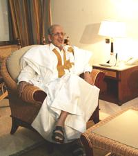 Mauritanie: le président veut que la junte soit dissoute avant sa démission.