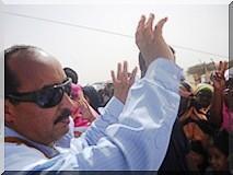 Des milliers de citoyens accueillent Ould Abdel Aziz à Ouad Naga