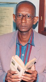 Louis CAMARA sur la littérature sénégalaise : 'La mode est aux autobiographies qui n'intéressent que leurs auteurs'